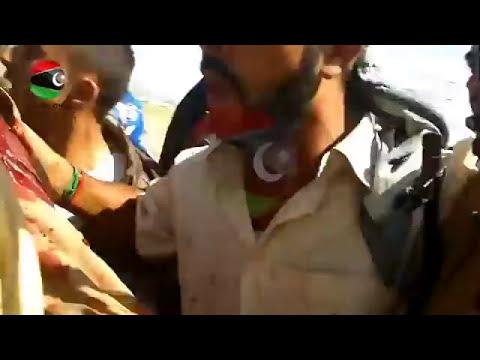 Nuevo video de Gadafi Sodomizado antes de su ejecución IMAGENES FUERTES