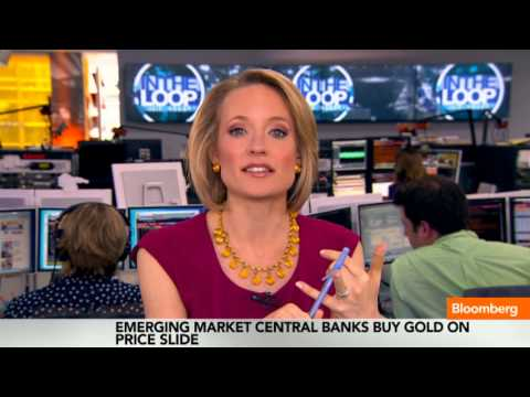 Gold Plunge Makes Central Banks Biggest Loser