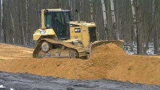 Cat D6N XL spreading sand