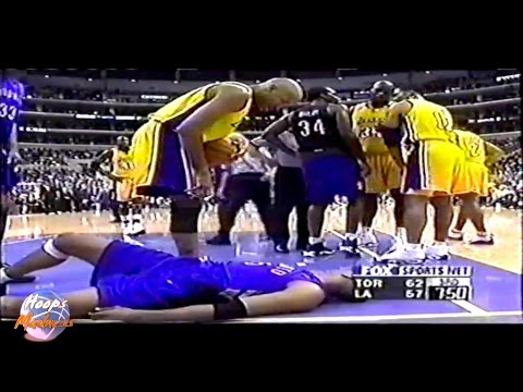 Shaquille O'NEAL Almost Kills Vince CARTER!