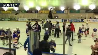 Partido de hockey en Rusia termina con una brutal pelea