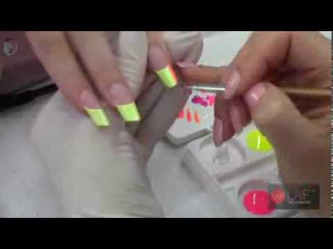 Nail Art Degradé step by step - Laif Nail Collection