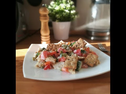 Постный салат со спаржей и горошком