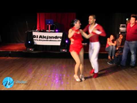 Bailarines De Salsa Caleña By: Wilson