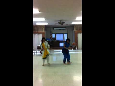 Chitte Suit Te- Bhangra Improv: Fareen And Bree video