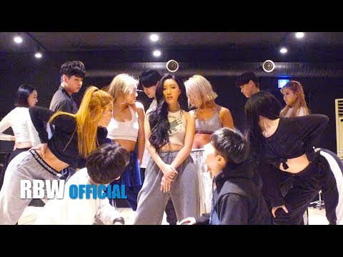 Download  Special 화사HWASA - 멍청이TWIT Performance  Gratis, download lagu terbaru
