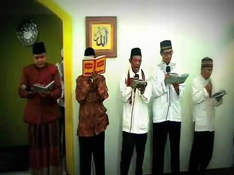 Rajaban 1434 H - Pembacaan Al-barzanji Oleh Ust. Hamzah Fansuri, S.ag Feat Ust. Budi Maulana, S.hi video