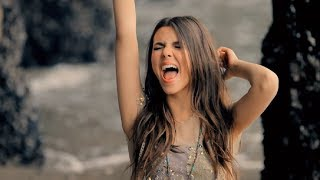 Клип Victoria Justice - Beggin' On Your Knees