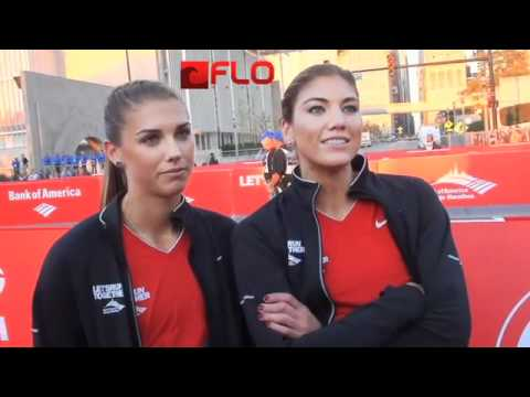 Alex Morgan and Hope Solo before Chicago Marathon 2011