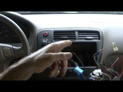 Honda How To , civic radio install its pretty simple and easy to do
