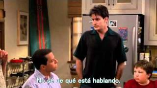 Two and a half men: Charlie presentando a Lydia. (Sub en español)