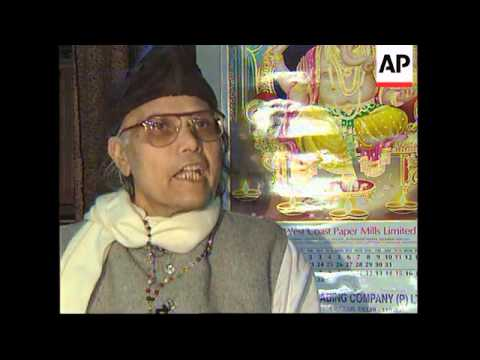 INDIA: ASTROLOGERS PREDICTING RESULTS OF NATIONAL ELECTIONS