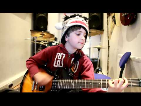 9 year old Ryan plays High School Never End's by Bowling For Soup