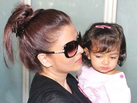 Baby's Day Out Aishwarya And Aaradhya video