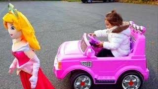 Princess Power Wheels Ride On Pink Car / The Wheels Red Bus