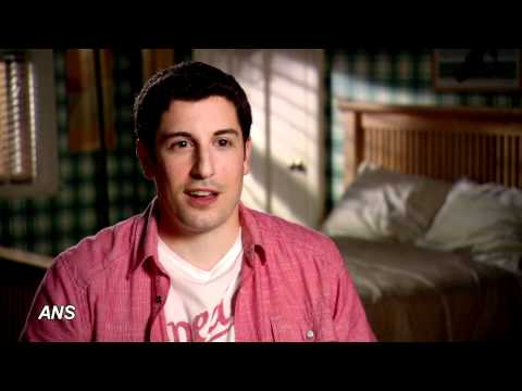 JASON BIGGS, ALYSON HANNIGAN TALK REAL-LIFE AMERICAN PIE REUNION
