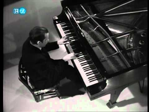 Glenn Gould-Beethoven-32 Variations in C minor (HD)
