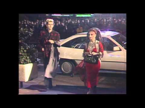 Llegada de invitados a la primera edición de los Premios Goya (1987)
