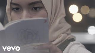 Fatin - Salahkah Aku Terlalu Mencintaimu (Official Lyric Video) (Video Lyric)