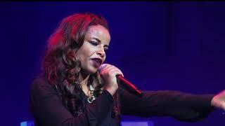 Lily Tilahun Live Worship Endet Yitlegnal - AmlekoTube.com