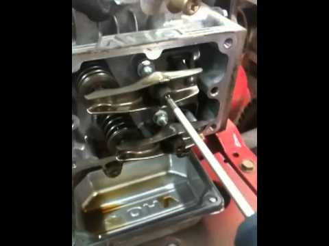 LAWN TRACTOR REPAIR: PART 1 Briggs and Stratton 31q777-0215e1 no compression/overheating issues