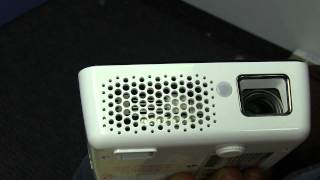 BenQ Joybee GP2 DLP LED HD Mini Projector Unboxing & Demo Linus Tech Tips