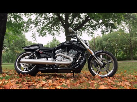 Harley Davidson V-ROD Review at RevZilla.com