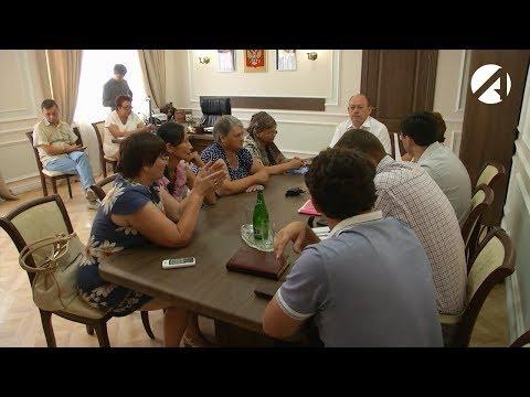 Жители посёлка Кировский обратились за помощью к сенатору от Думы Астраханской области