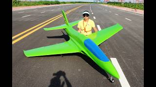 Pilot-RC 3.2m Predator sport jet first prototype maiden flight