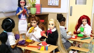 Barbie Rapunzel, the story of Ariel's doll school