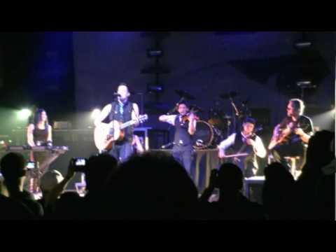 Enter Sandman by Skillet/Red Acoustic Scranton, PA April, 15th 2010