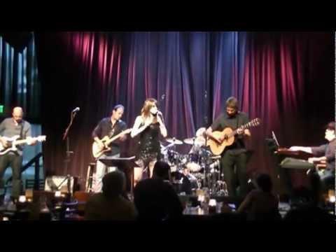 Lisa McClowry sings