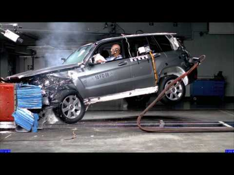 mercedes benz glk at a crash test youtube. Black Bedroom Furniture Sets. Home Design Ideas