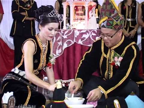 Kadazan Traditional Wedding Miohoon Pinisi by Inai Evelyn Ebin...