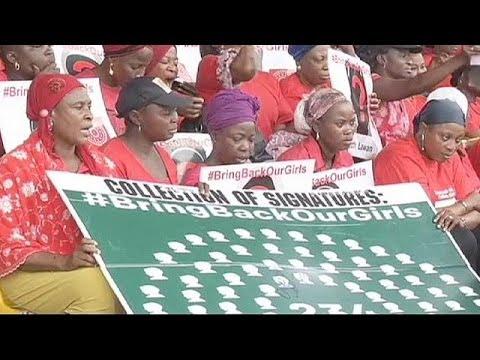 Nigéria: Obasanjo tenta negociar libertação das adolescentes sequestradas pelo Boko Haram