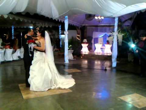 Video boda con chisperos de pirotecnia en cd obregon for Jardin de luz