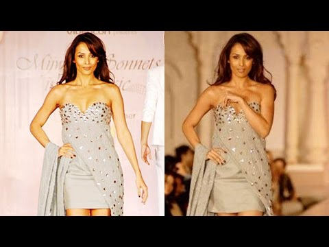 Malaika Arora's Dress Slip At Fashion Show video