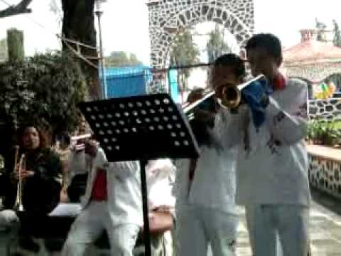 banda hermanos alvarez-detenerla ya.mp4