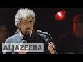 Bob Dylan collects Nobel Prize award mp3 indir