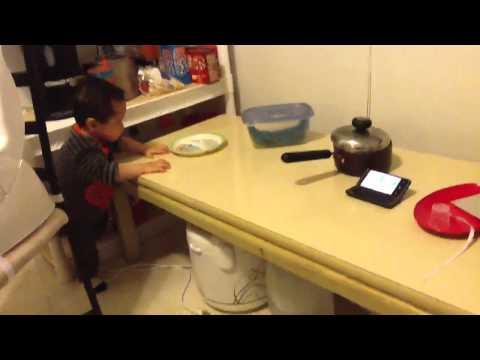 Feyruz Rockin' To Lagu 'bapa Ku Pulang Dari Kota' video