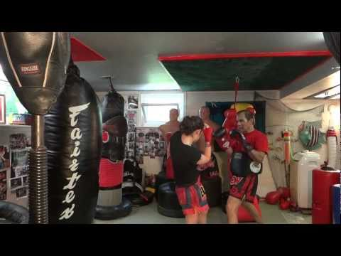 Right Straight Knee Drills - Master K Muay Thai Image 1