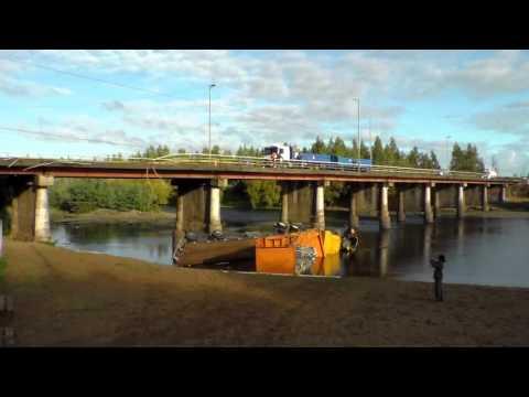 Radio Renaicofm: Camion volcado en rio Renaico
