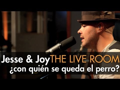 Jesse Joy ¿Con Quién Se Queda El Perro captured in The Live Room