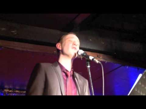 Stuart Matthew Price singing Grateful