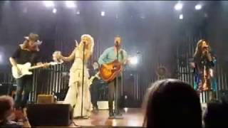 download lagu The Chain - Little Big Town Feat. Brothers Osborne gratis