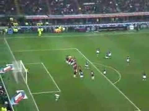 Punizione Cristian Chivu - Inter vs Milan (23/12/2007)