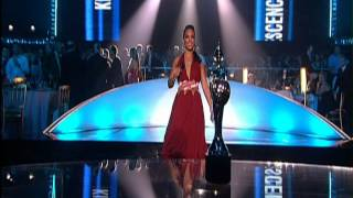 50 Cent wins International Breakthrough presented by Alicia Keys | 2004