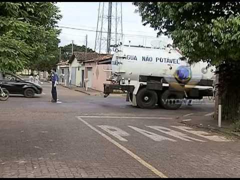 Comunidade do bairro Alvorada reclama de mau cheiro de esgoto