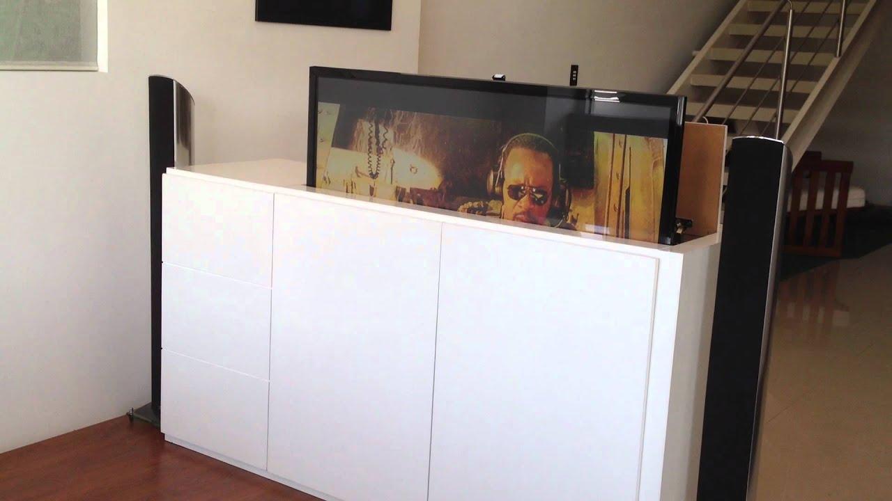 Tv lift soporte motorizado para tv youtube for Mueble ocultar tv