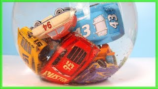 Disney Cars Lightning Mcqueen and Friends surprises water bowl drop